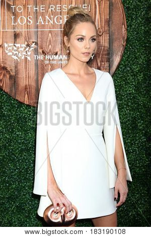 LOS ANGELES - APR 22:  Laura Vandervoort at the 2017 The Humane Society Gala at Parmount Studios on April 22, 2017 in Los Angeles, CA
