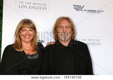 LOS ANGELES - APR 22:  Gloria Butler, Geezer Butler at the 2017 The Humane Society Gala at Parmount Studios on April 22, 2017 in Los Angeles, CA