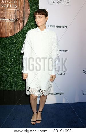 LOS ANGELES - APR 22:  Rooney Mara at the 2017 The Humane Society Gala at Parmount Studios on April 22, 2017 in Los Angeles, CA