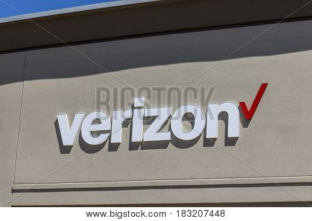 Indianapolis - Circa April 2017: Verizon Wireless Retail Location. Verizon is the largest U.S. wireless communications service provider XVI