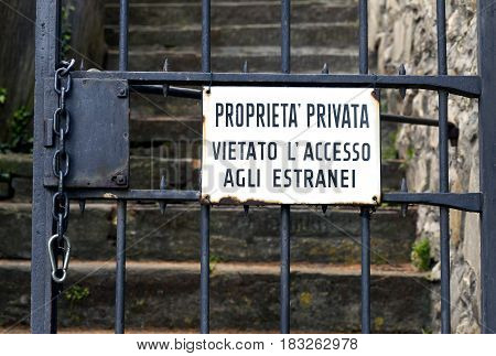 Private Property Sign In Italian