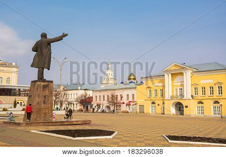 Monument to Lenin on the square in the ancient Russian town of Yelets in the Lipetsk region. Russia, Yelets. April 2, 2017