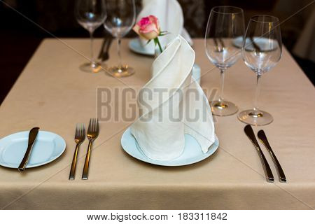 Buffet decorations flowers corporate design decoration white table