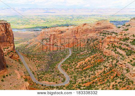 Winding Through Fruita Canyon