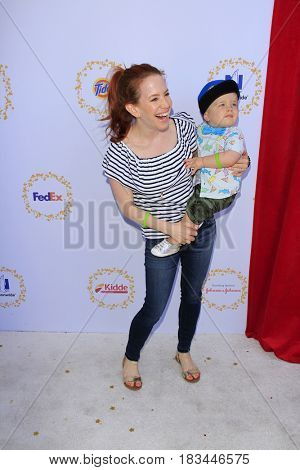 LOS ANGELES - APR 23:  Amy Davidson, Lennox Lockwood at the Safe Kids Day at the Smashbox Studios on April 23, 2017 in Culver City, CA