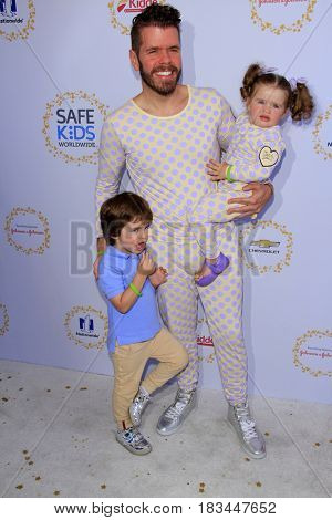LOS ANGELES - APR 23:  Mario Armando Lavandeira III, Mario Armando Lavandeira Jr, Mia Alma Lavandeira, Perez Hilton at the Safe Kids Day at the Smashbox Studios on April 23, 2017 in Culver City, CA