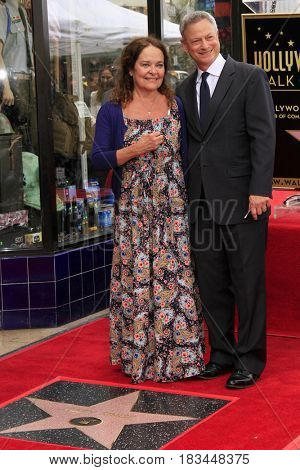 LOS ANGELES - APR 17:  Moira Harris, Gary Sinise at the Gary Sinise Honored With Star On The Hollywood Walk Of Fame on April 17, 2017 in Los Angeles, CA
