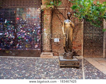 VERONA, ITALY - APRIL, 07: The Juliet monument in the Juliet house on April 07, 2017