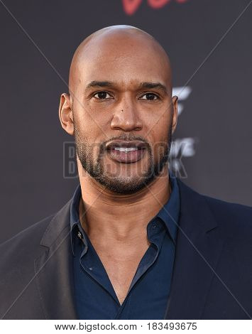 LOS ANGELES - APR 19:  Henry Simmons arrives for the