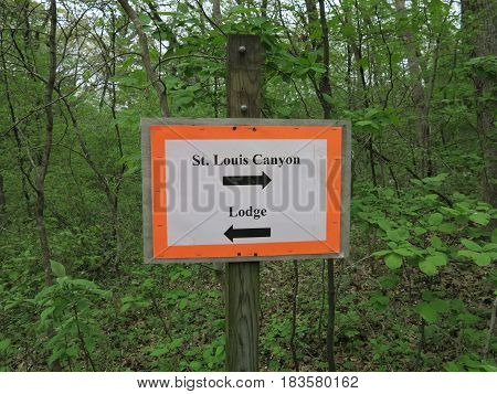 Makeshift Paper Sign done on printer showing direction towards St. Louis Canyon and Lodge at Starved Rock State Park