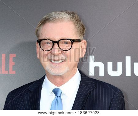 LOS ANGELES - APR 25:  Warren Littlefield at the Premiere Of Hulu's