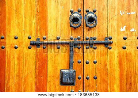 Brown  Morocco In Africa   Home And Rusty Safe Padlock