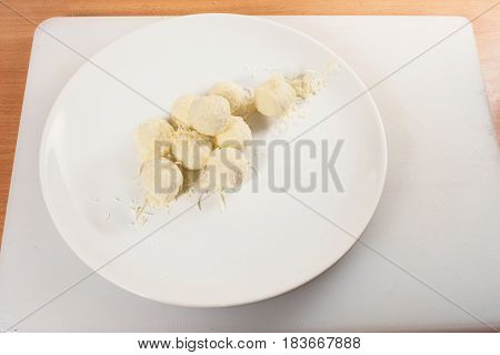 Balls Of Goat Cheese 01