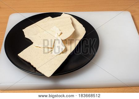 Merengue On A Black Plate 01