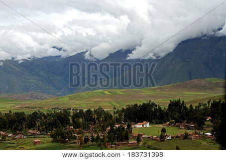 Peruvian beauties on the way to Machu Picchu