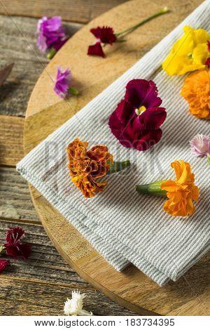 Raw Organic Edible Flowers