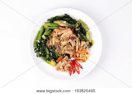 Fried Big Noodle With Chicken And Vegetables.