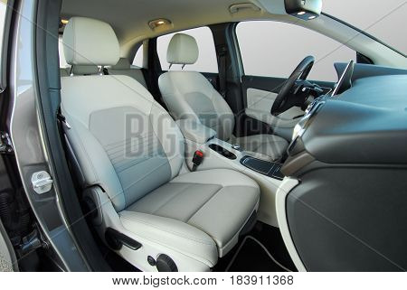 white front seats in a large passenger car