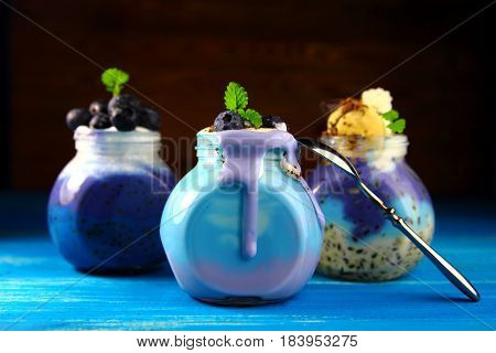 blueberry smoothie with mint and chocolate chips