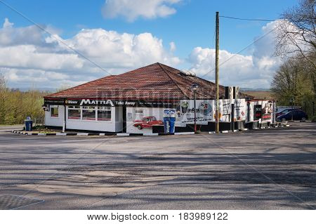 Hampshire, Uk - April 1 2017: Exterior Of The Mattia Roadside Diner With Retro Decoration And Bright