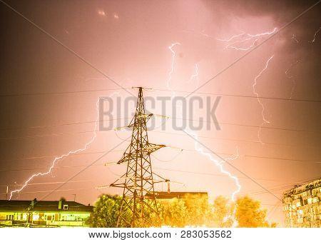Lightning Flare, Night, Powerful, Flash, Bright, Thundershower, Black, Illustration, Modern, Voltage