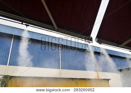 Water Mist Cooling System Lowers Ambient Temperature At Restaurant