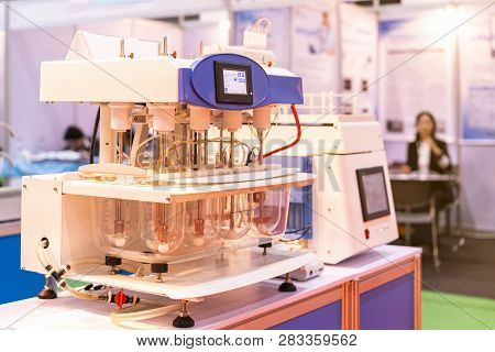 High Technology Automatic Tablet Dissolution Tester For Sample Drug Of Ability Solvency Measuring &
