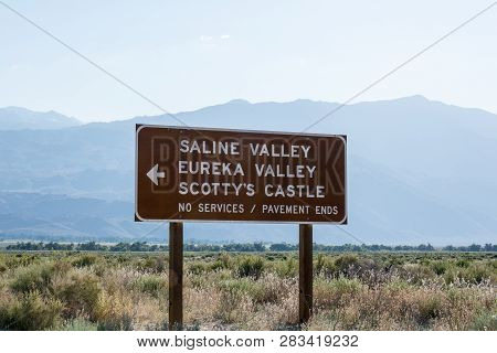 Road Sign For Death Valley National Park Points Of Interest - Scotty's Castle, Eureka Valley And Sal