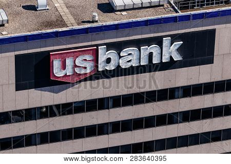 Cincinnati - Circa February 2019: U.s. Bank And Loan Tower. Us Bank Is Ranked The 5th Largest Bank I