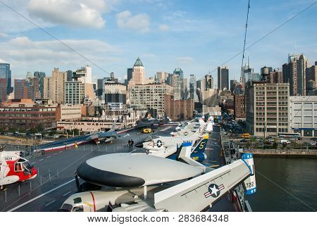 New-york, Usa - September 29, 2009: Military Airplanes And Helicopters Displayed On The Uss Intrepid