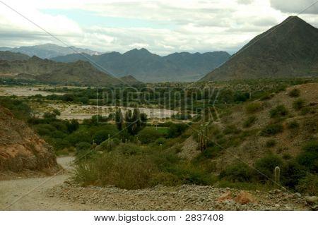 Ruta 40 Through Argentine Mountainscape