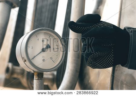 No Air Or Water Pressure On A Manometer. Lack Of Pressure In The Pipeline Concept.