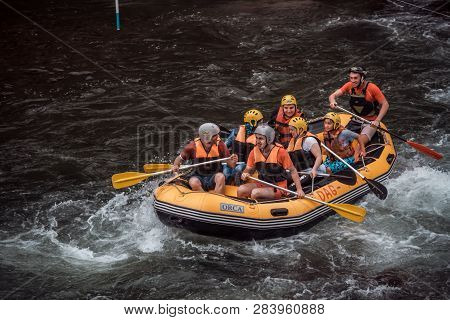 Rafting Groups At The Firtina River