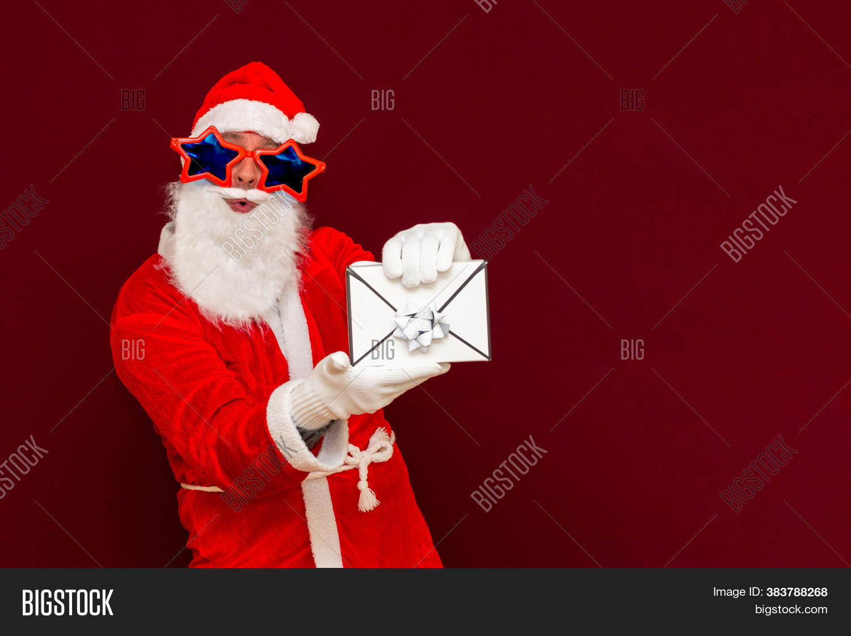Men hat with envelope