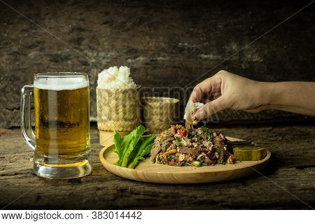 Pork, Spicy, Minced, Glutinous, Rice, Sticky, Beer, Eat, Salad, Glass, Larb, Hand, Hold, Woman, Trad