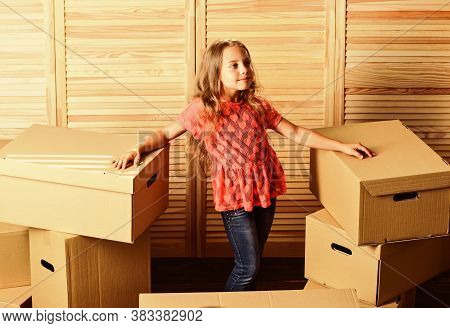 Delivery Service. Box Package And Storage. Small Child Prepare For Relocation. Relocating Family Can