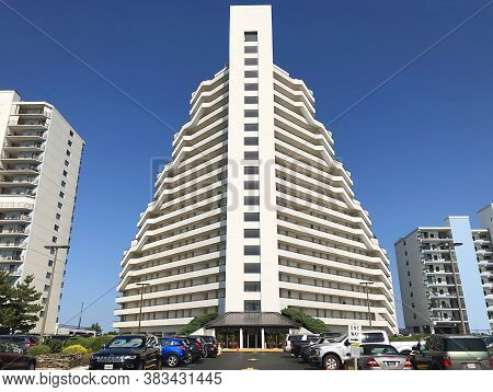 Ocean City, Md: Pyramid Oceanfront Condominium Building Located On 95th Street And Coastal Highway (