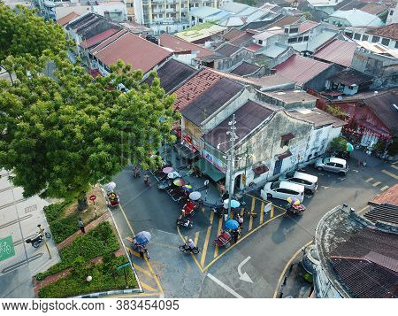 Georgetown, Penang/malaysia - Mar 21 2020: Trishaw Driver Wait At Georgetown,