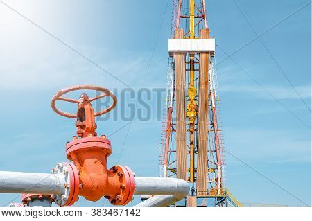 Oil And Gas Drilling Rig. Oil Drilling Rig Operation On The Oil Platform In Oil And Gas Industry. To