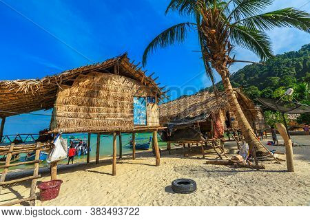 Surin Islands, Phang Nga, Thailand - January 3, 2016: Moken Village Of The Thai Sea Gypsies. Fisherm