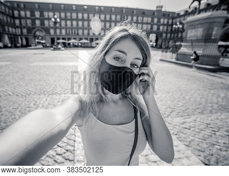 Beautiful Young Caucasian Tourist Woman Wearing Protective Face Mask Happy In Plaza Mayor Madrid Tak