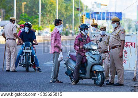 Jodhpur, Rajashtbn, India. 30 March 2020. Police Stops Citizen, Commuters, Etire Countary Lockdown T