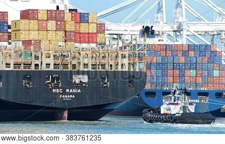 Oakland, Ca - August 7, 2020: Tugboats Are Small, Yet Powerful For Their Size. Amnav Sandra Hugh At