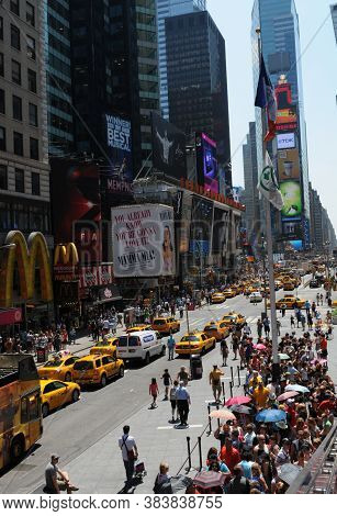 New York City, Usa, July 10, 2011: Midtown Manhattan Street View With Crowd Of People Walking On The