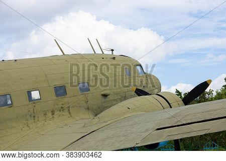 General Purpose Cargo Or Passenger Aircraft And Light Bomber Licensed Version Of Douglas Dc 3.