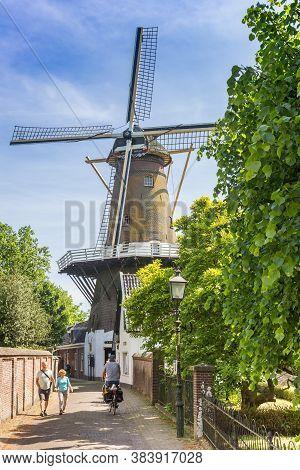 Loenen Aan De Vecht, Netherlands - May 21, 2020: Historic Windmill De Hoop In The Center Of Loenen A