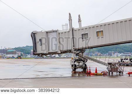 Fukuoka, Japan - 14 July 2019 -  Empty Jet Bridge Or Passenger Boarding Bridge At An Airport In Fuku