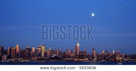 New York City Late Evening Capture Cityscape