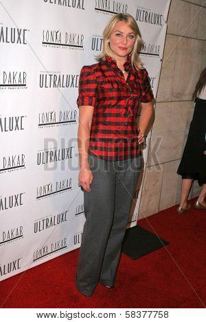 Elizabeth Rohm at the Sonya Dakar Skin Clinic Opening. Sonya Dakar SKin Clinic, Beverly Hills, CA. 10-24-06