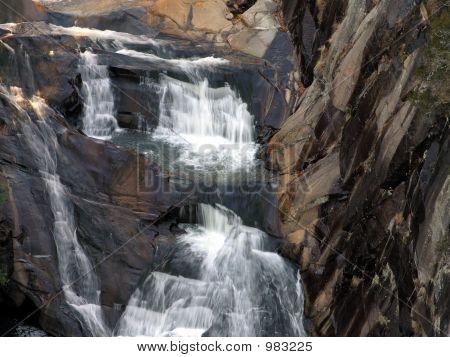 Tallulah  Leau Dor Falls